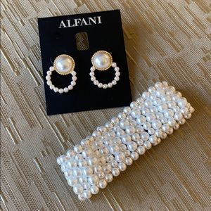 New pearl earring and bracelet set with gold tones